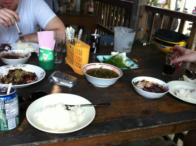 Večeře u místních v Thajsku