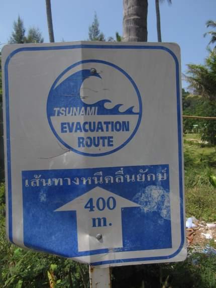 Značka únikového směru před vlnou Tsunami v Thajsku