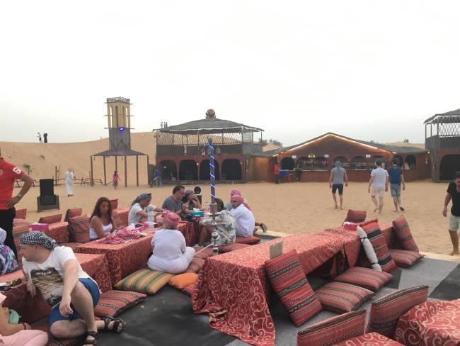 Čekání-před-pouštním-safari