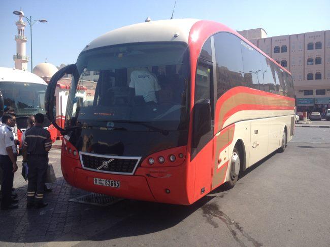 Autobus-z-Dubaje-do-Abu-Dhabí