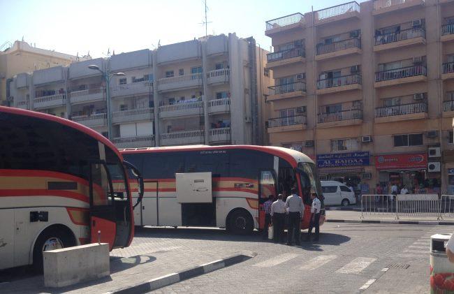 Autobusové-nádraží-v-Dubaji-s-odjezdem-do-Dubaje