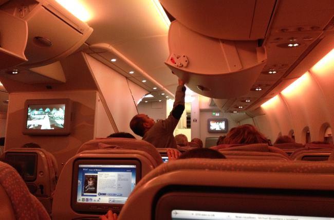 Doba-letu-z-Prahy-do-Dubaje-na-palubě-Emirates-A380-rychle-uteče