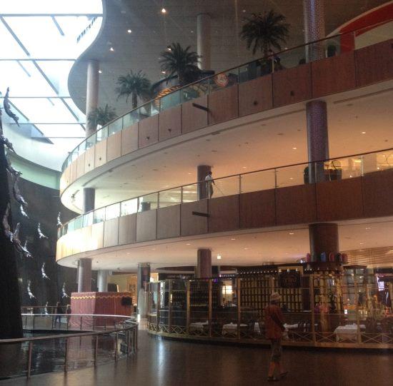 Nákupy-v-Dubaji