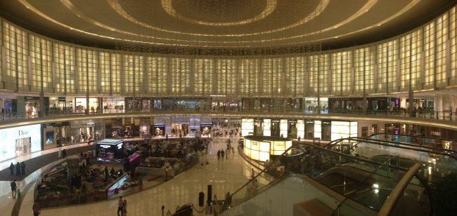 Nákupy-v-obřím-Dubai-Mall