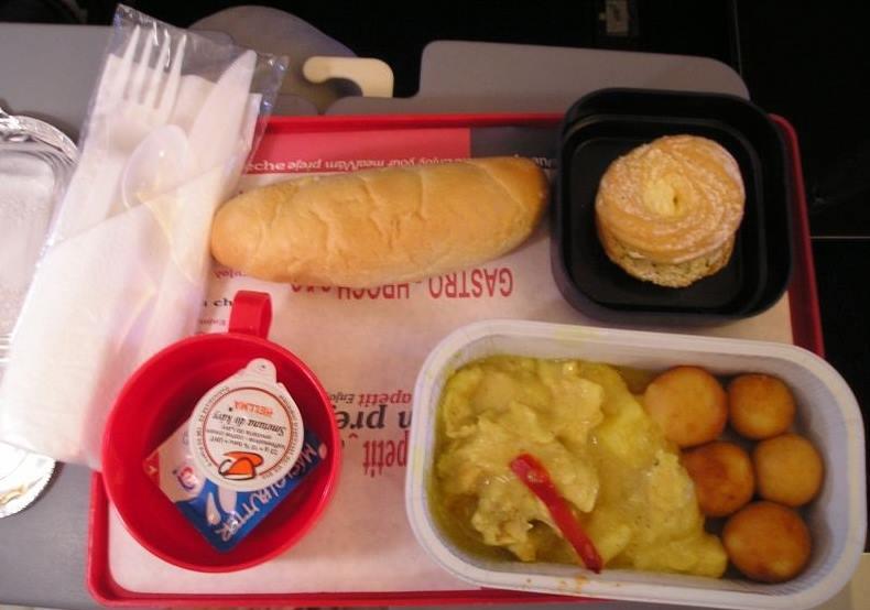 Fotky-jídla-na-palubě-při-letu-z-Prahy-na-Kanárské-ostrovy