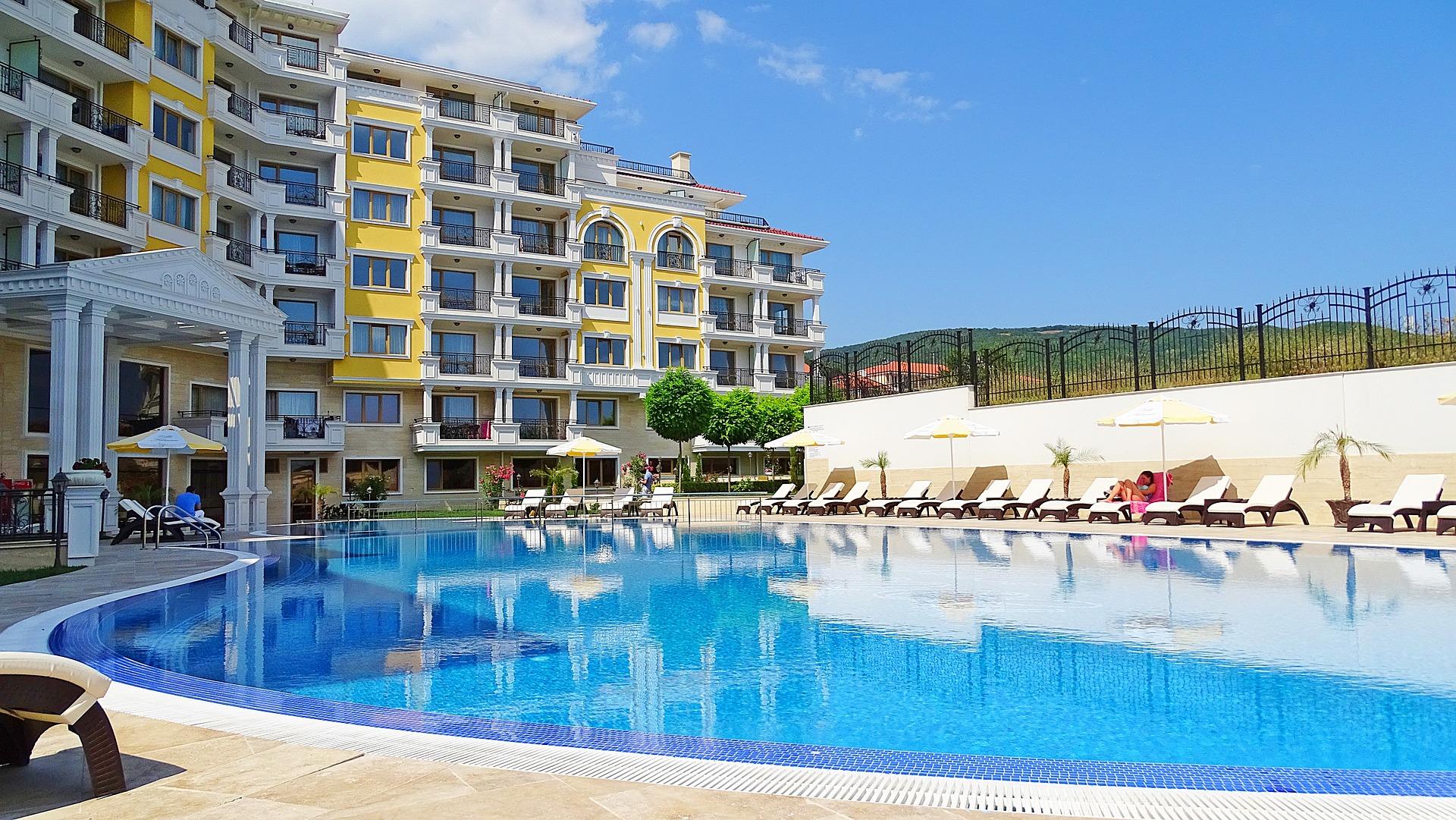 Hotel s bazénem nedaleko Varny